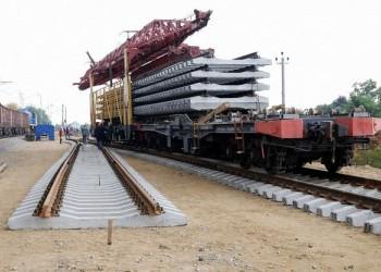 В России начали укладку рельсов железной дороги в обход Украины