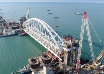 В Керченском проливе начали подъем арки на опоры Крымского моста