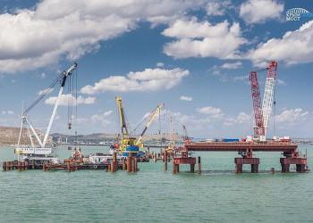 Мостостроители начали сооружение судоходной части крымского моста
