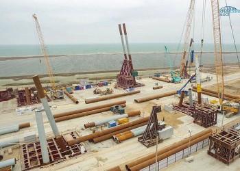 Строители начали возведение свайных фундаментов моста через Керченский пролив