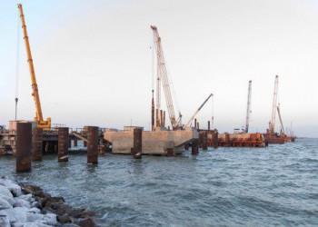 На морских и сухопутных участках Крымского моста установлено 200 опор