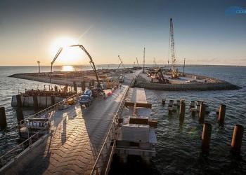 Строители моста в Крым подвели итоги весенне-летнего строительного сезона