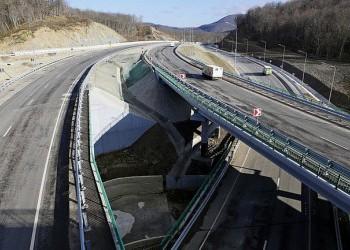 В Краснодарском крае на трассе М-4 «Дон» открыли новую трехуровневую развязку
