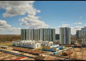 В Калининском районе открылась самая большая в Петербурге школа на 1375 учеников и детсад