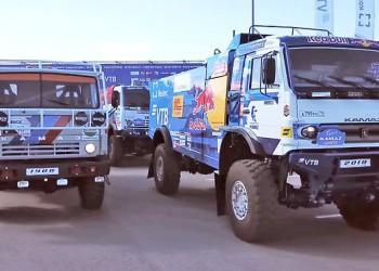 КамАЗ восстановил первый гоночный грузовик и показал новый