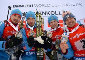 Мужская сборная России выиграла золото эстафеты на этапе КМ по биатлону